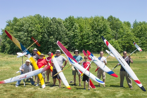 At the end of the day everyone is still smiling and the gliders still in tack. Click to enlarge.
